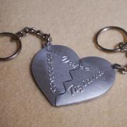 portachiavi-cuore-in-due-meta-personalizzato-6