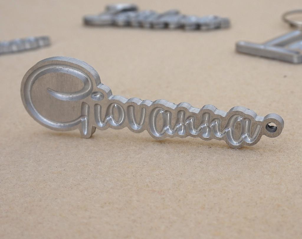 Portachiavi in alluminio con scritta personalizzata u arti inventive