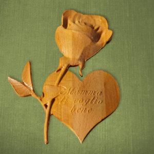 Rosa e cuore in legno con scritta personalizzata