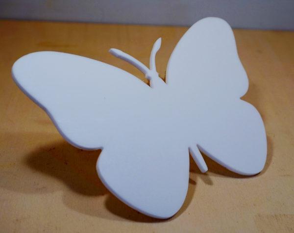 forma in plexiglass opalino personalizzata
