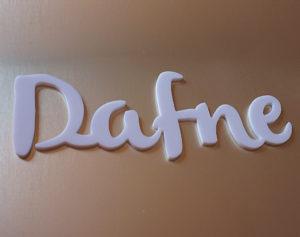 scritta in plexiglass opalino personalizzata